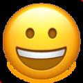 Эмодзи 😀 Ухмыляющееся лицо на Apple iOS
