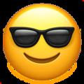 Эмодзи 😎 Лицо в солнцезащитных очках на Apple iOS
