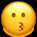 Эмодзи 😗 Целующееся лицо на Apple iOS