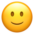 Эмодзи 🙂 Слегка улыбающееся лицо на Apple iOS